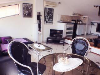 Sea view apartment with a big terrace - Pula vacation rentals