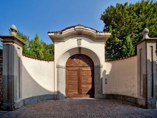 Historic villa in the heart of Brianza - Annone di Brianza vacation rentals