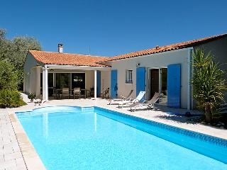 4 bedroom Villa in Ile d Oleron, Poitou Charentes, France : ref 2217013 - Saint-Trojan les Bains vacation rentals