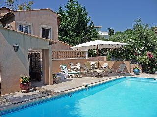 3 bedroom Villa in Cannes, Cote d'Azur, France : ref 2008325 - Le Cannet vacation rentals