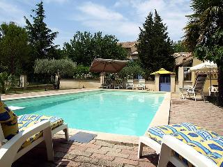 4 bedroom Villa in Carpentras, Provence, France : ref 2015289 - Carpentras vacation rentals