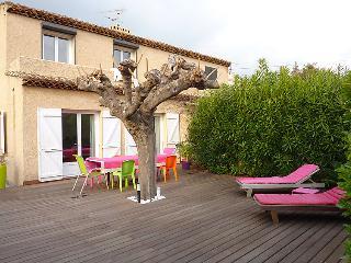 2 bedroom House with Internet Access in Saint Cyr sur mer - Saint Cyr sur mer vacation rentals