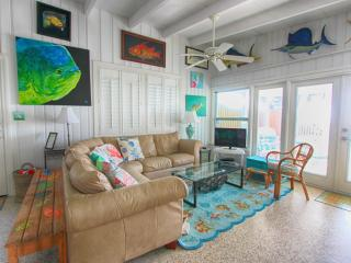 4 bedroom House with Internet Access in Indian Shores - Indian Shores vacation rentals