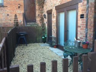 Warwickshire Ground Floor Barn Conversion - Warwick vacation rentals