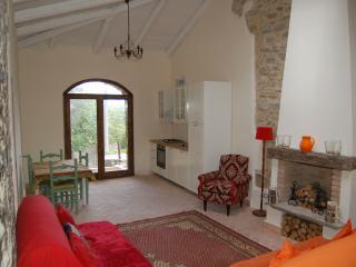 Spacious light cottage, sea view, 15 mins to beach - Laureana Cilento vacation rentals