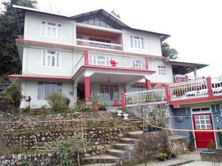 Cozy Kalimpong vacation Apartment with Television - Kalimpong vacation rentals