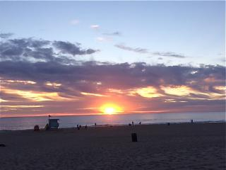 Nice Condo with Internet Access and Television - Manhattan Beach vacation rentals