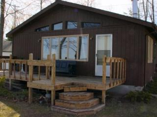 Tawas Lake Family Cottage - East Tawas vacation rentals
