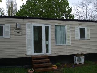 Nice 2 bedroom Bungalow in La Boissiere-de-Montaigu - La Boissiere-de-Montaigu vacation rentals