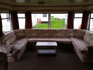 Y60 Large 2 Bedroom 6 Berth Martello Clacton - Clacton-on-Sea vacation rentals