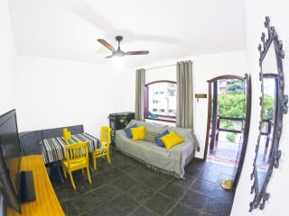 Perto da Praia Duplex BBQ Piscina Garage Wifi - Cabo Frio vacation rentals