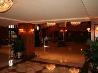 Millionaire's Row Spacious Deluxe 2 Bedroom Condo - SBR 483 - Miami vacation rentals