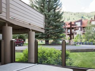 Pay Day - 4BR Condo Silver + Private Hot Tub #189 - LLH 66082 - Park City vacation rentals
