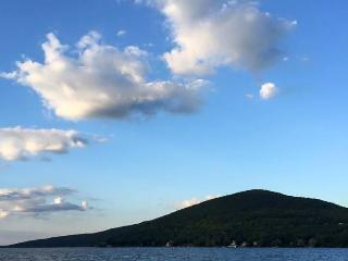 Bright 3 bedroom Cottage in Canandaigua Lake - Canandaigua Lake vacation rentals