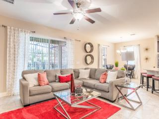 Exquisite 6 Bedroom 3.5 Bath Pool Home Close to the Parks. 4312AC - Kissimmee vacation rentals