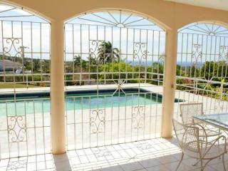 Togetherness Ocean view & Pool in Montego Bay 23$ - Ironshore vacation rentals