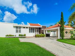 Modern 4 Bedroom Home w/ Rainforest Views in San Juan - Luquillo vacation rentals