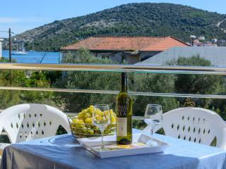 TH01920 Apartments Anton / One bedroom A - Vinisce vacation rentals