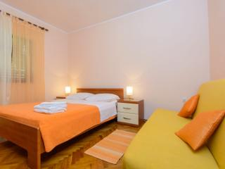 TH01920 Apartments Anton / Two bedroom C - Vinisce vacation rentals
