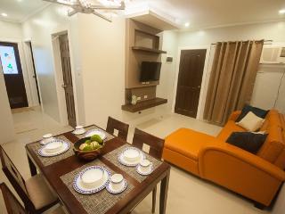 NF Suites Davao 2bedroom condo/apartel - Davao vacation rentals
