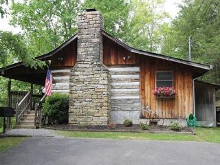 Honeymoon Hideaway - Romantic Authentic Cabin - Gatlinburg vacation rentals