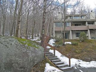 C14H03-Managed by Loon Reservation Service - NH Meals & Rooms Lic# 056365 - Lincoln vacation rentals