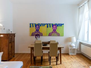 Monet - Berlin vacation rentals