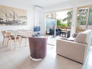 2 bedroom Apartment with Internet Access in Cannes - Cannes vacation rentals