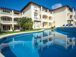 Beautiful 1 bedroom unit with great ocean views! - Playa del Carmen vacation rentals