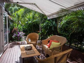 Paradise Cottage Brighton Brisbane North. Free unlimited wifi. Pet friendly. - Brisbane vacation rentals