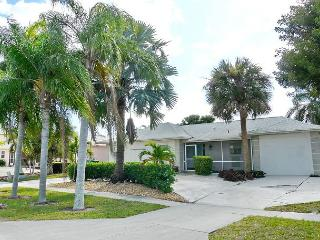 Waterfront house w/ heated pool, hot tub & all-day sun on lanai - Marco Island vacation rentals
