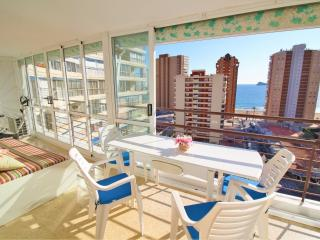 Cozy 2 bedroom Apartment in Benidorm with A/C - Benidorm vacation rentals