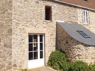 Cozy 2 bedroom House in Auderville with Dishwasher - Auderville vacation rentals