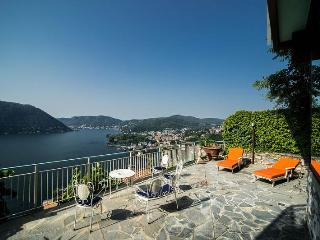 Nice 2 bedroom Cernobbio Villa with Housekeeping Included - Cernobbio vacation rentals