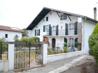 Chambres dans une maison Basque - Saint-Martin-d'Arrossa vacation rentals