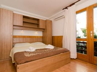 Double Room with Balcony in Pomena - Pomena vacation rentals