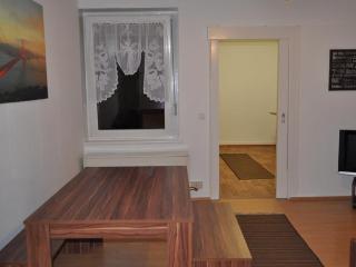 White House Castrop 100m2 Apartment - Castrop-Rauxel vacation rentals