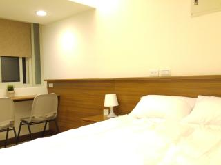 09 3 min. to Zhongxiao Fuxing MRT。Newly renovated - Taipei vacation rentals