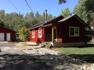 The Little Red House - In Historic Old Shasta - Shasta vacation rentals