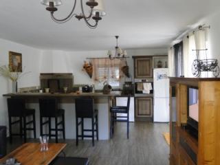 MAISON VUE SUR MER ET MONTAGNE calme  convivialitè - Folelli vacation rentals
