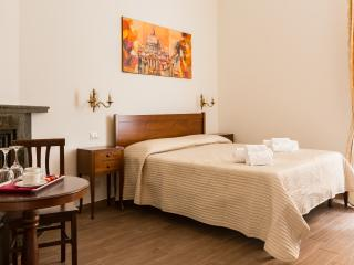Room Celio (Casa in Monti Rome) - Rome vacation rentals