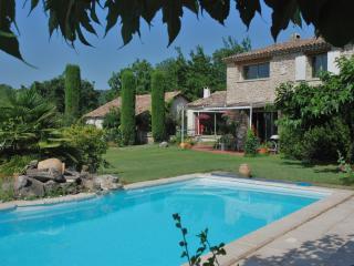 4 bedroom Gite with Housekeeping Included in Pierrerue - Pierrerue vacation rentals