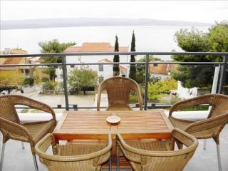 Apartment Nemira 4+2 - Omis vacation rentals