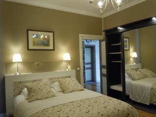 LES-CHENEVIS /Chambre d'hôtes B&B /MORISOT+ MANET - Jouy-le-Moutier vacation rentals