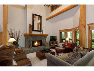 Whistler Ski-in/walk-out 5nights New Year's Avail! - Whistler vacation rentals
