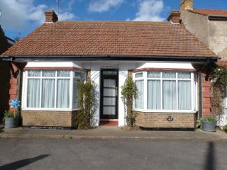 JS HolidaysDetached self catering/B&B with parking - Minster on Sea vacation rentals