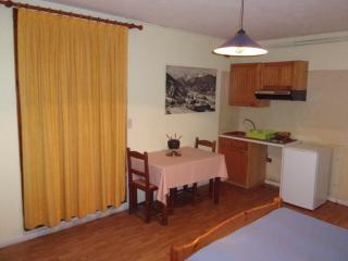 Studio 4, Résidences de l'Ourson - Bagneres-de-Luchon vacation rentals
