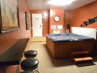 Stylish Clean Cabin, HOT TUB, Near Lake and Slopes - City of Big Bear Lake vacation rentals