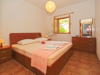 Lavanda Apartment A2 - Ivan Dolac vacation rentals