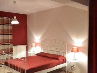 Ampia stanza con vista sull'Etna - Bronte vacation rentals